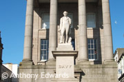 humphry davy statue town centre